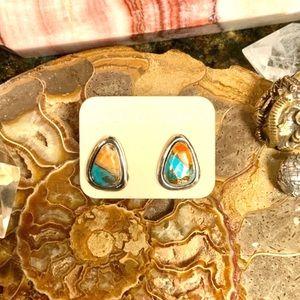 Jewelry - 🌹NWT Sterling silver spiny oyster/turquoise posts